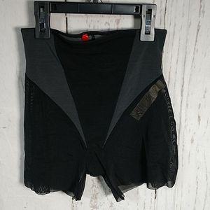 SPANX Colorblock Shorts Thigh Tummy Shapewear
